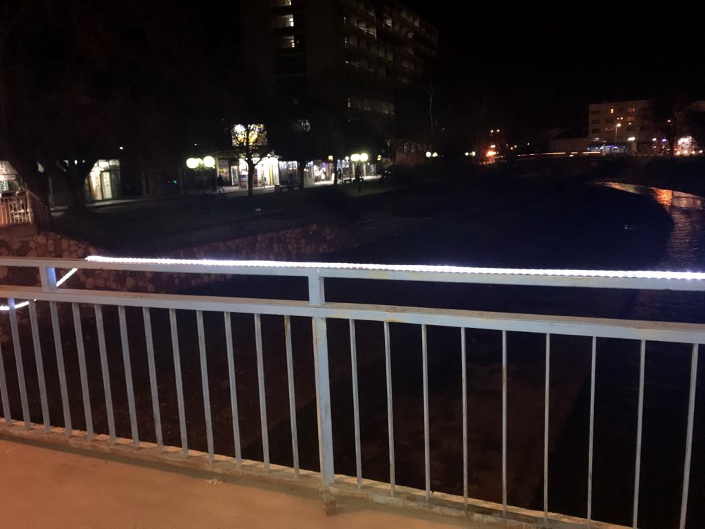 Rasveta mosta noću