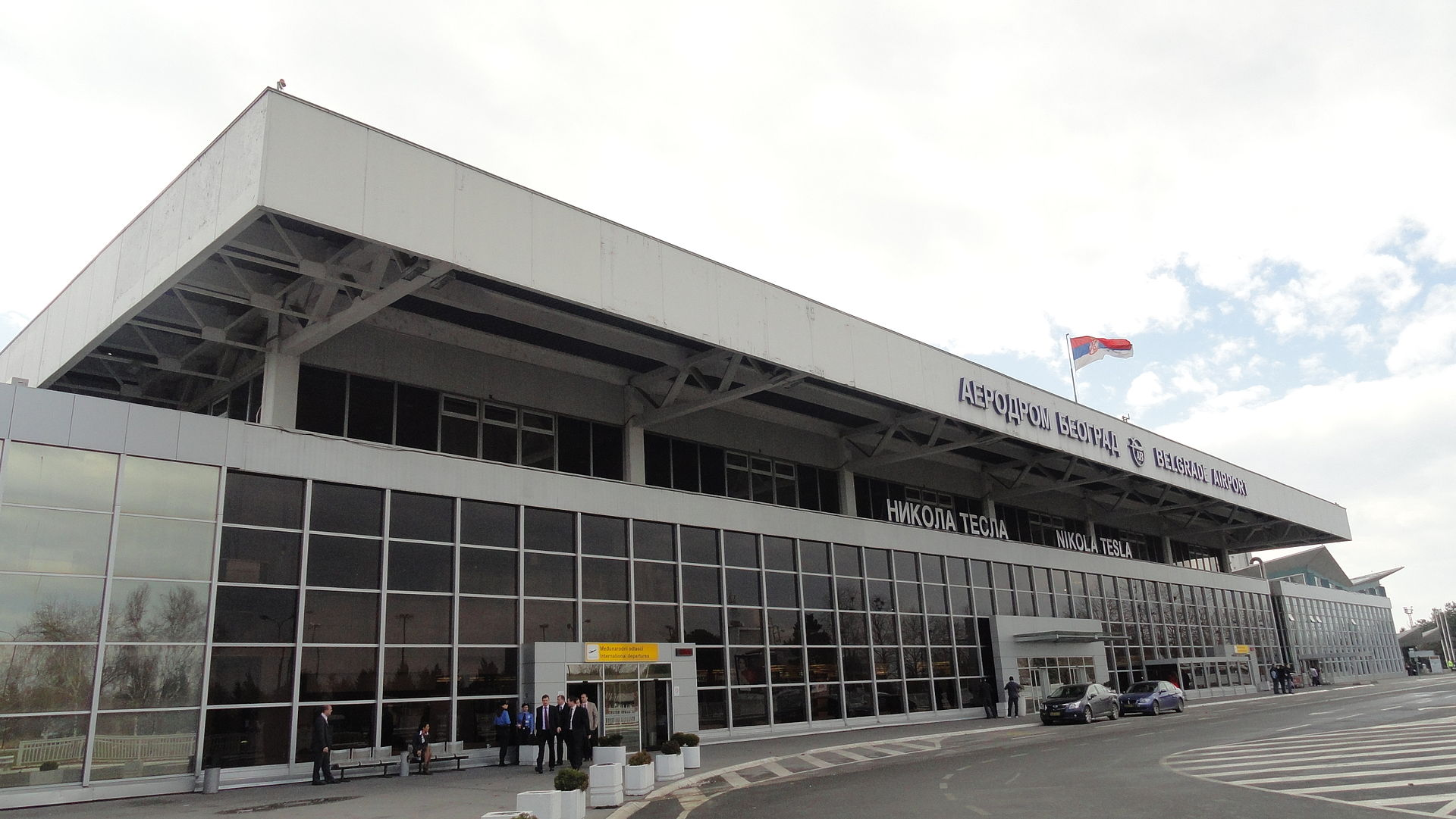Nikola_Tesla_Airport