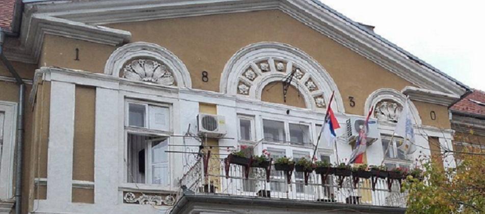 bela-crkva-zastave