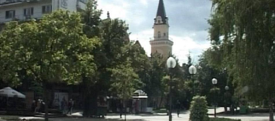 kikinda-trg-sa-gradskom-kucom