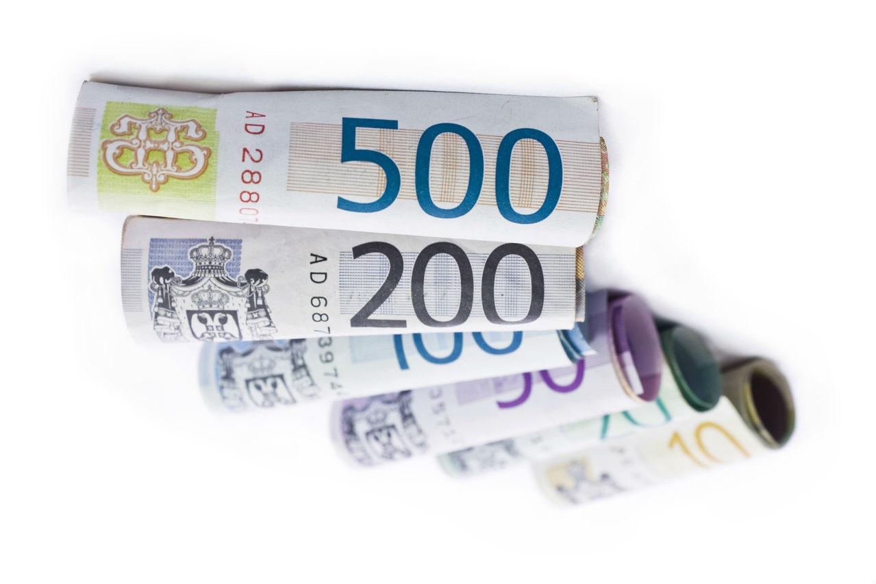 money-1236699-1279x852