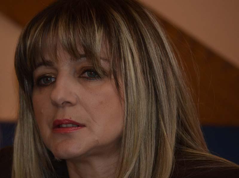 Ranki Živanović-Marković, predsednici  pokreta Dosta je bilo u Loznici,  nezakonito i neustavno  nije vraćen  odbornički mandat nakon što je podnela ostavku na funkciju zamenice gradonačelnika i napustila SNS